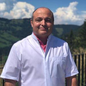 Dr. Francois Helleisen